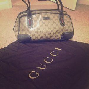 Gucci Handbags - NEVER USED Gucci 💖 Crystal Princy Boston 👜
