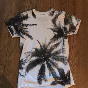 Univibe Other - White shirt w/ black palm tree design.