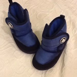 CROCS Other - Adorable Crocs baby boots