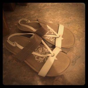 aetrex Shoes - Sandalistas by Aetrex size 6