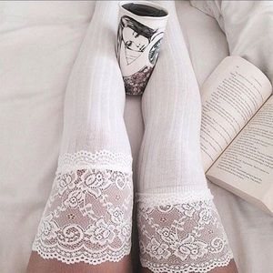 HUE Accessories - 🆕 White Lace Knee High Boot Socks