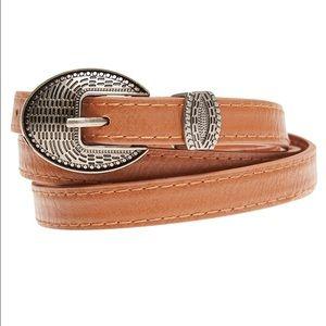 Accessories - NWOT BROWN VINTAGE Buckle Medium skinny belt