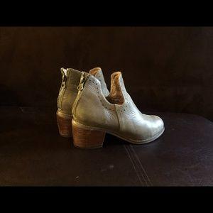Hello MIZ Shoes - Miz mooz leather boots size 8