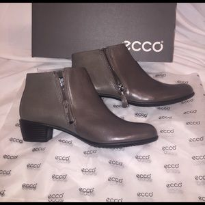 🆕 Ecco Gray Double Zip Ankle Boots NWT