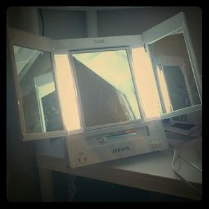 Jerdon Makeup - Desktop Makeup Mirror - 4 Light Settings + Outlet!