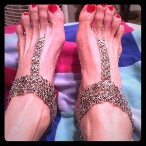 Accessory Collective Jewelry - Beautiful jewelry for your feet over foot toe ring
