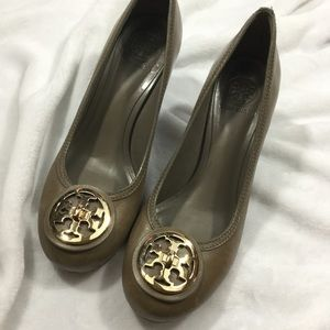{Tory Burch} Gold & Tan pumps with wooden heels