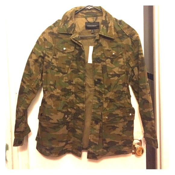 fbda9b2183657 Banana Republic Jackets & Coats | Camo Jacket Petite Xs | Poshmark