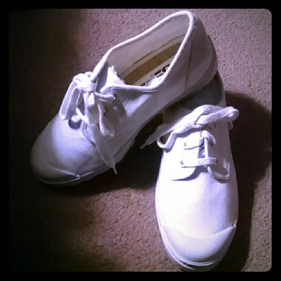 Vintage Canvas Chunky White Sneakers