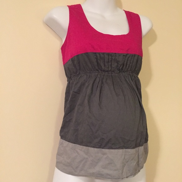 Old Navy Tops - Maternity sleevess top size small