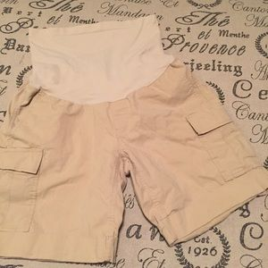 A Pea in the Pod Pants - Maternity shorts size small