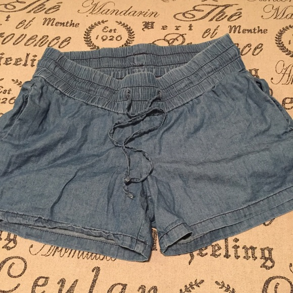 H&M Shorts - Maternity shorts size 8 by H&M mama