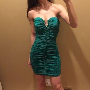 Speechless Dresses & Skirts - Skintight Scrunchy Green Dress