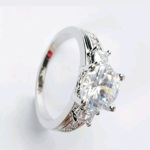 Jewelry - White Gold Plated White Sapphire Ring