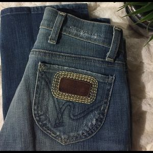 Citizens of Humanity Denim - Citizens of Humanity Distressed Cropped Jeans