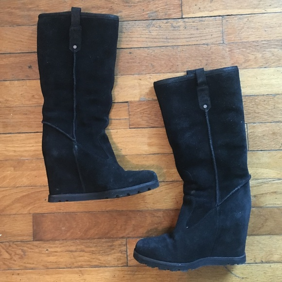 87c58d788bd Ugg soleil wedge boot