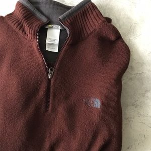 The North Face Other - {HP🎉}North Face 1/2 Zip Pull Over