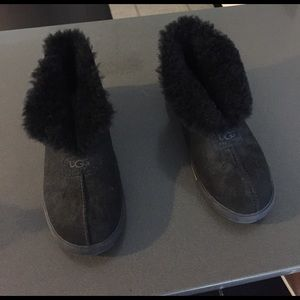 gently used ugg slippers