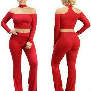 Pants - NWT Choker accented long sleeve 2 Piece Pant Set