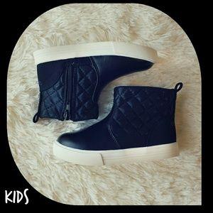 OshKosh B'gosh Other - {OshKosh} ⬇ Children's Foxy-G Black Quilted Boots