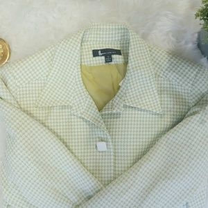 Larry Levine Jackets & Blazers - LARRY LEVINE green and white trench coat