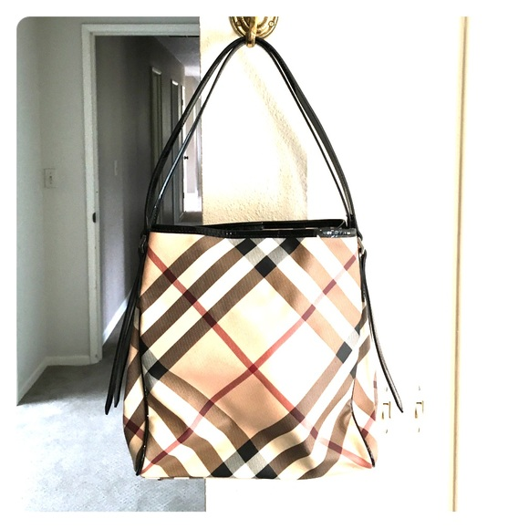 Burberry Handbags - Discontinued Burberry nova check shoulder bag. 580b944db71ba