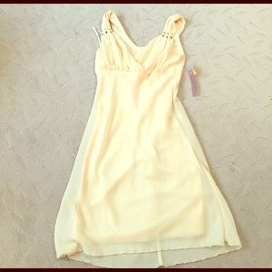 Blush Dresses & Skirts - ☀️New w tag canary yellow sweetheart dress 5/6☀️