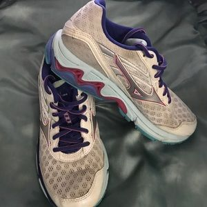 Mizuno Shoes - MIZUNO WAVE INSPIRE 12 ----  WOMEN RUNNING SHOE
