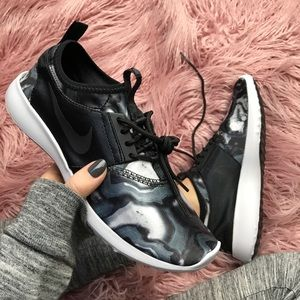 Nike Shoes - NWT Nike juvenate marble