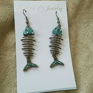 Rhinestone Fishbone Earrings NWT