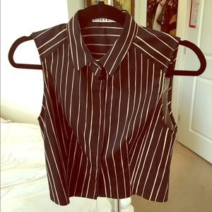 Alice + Olivia Tops - MOVING SALE! Alice & Olivia crop top!! Button up