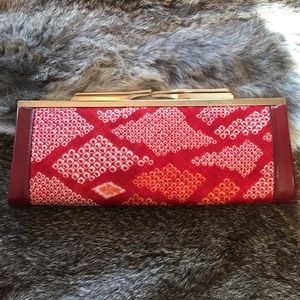 Handbags - Vintage Clutch Frame Wallet