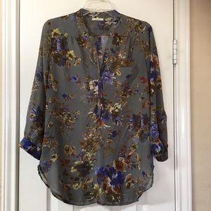 Pelione Grey Floral Chiffon Henley Tunic
