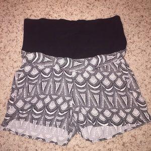 H&M Pants - 🤰 Mama by H&M maternity shorts