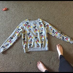 Very cute and comfy pullover