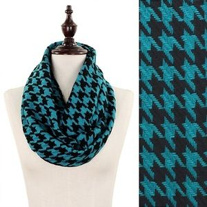 Accessories - Christmas Sale🎄Teal & Black Houndstooth Scarf