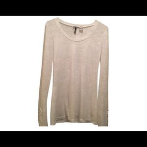 BKE Tops - BKE thermal with crochet detail on sleeve