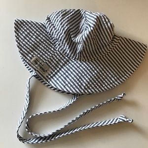 Flap Happy Other - NWOT Flap Happy baby sun hat size small