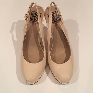 Pour la Victoire Shoes - Pour La Victoire Round Toe Platform Heals