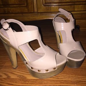 Bakers Shoes - 👠🔆DEAL OF THE DAY🔆 Bakers Nude Platform Sandals