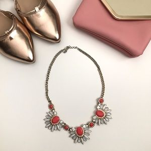 ⛔️🌟Coral/White Statement Necklace🌟⛔️