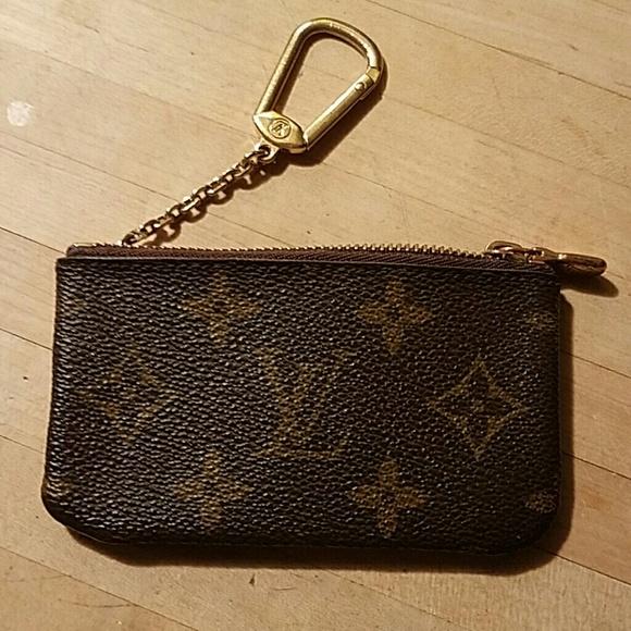 7e2c8e3f355e Louis Vuitton Accessories - Louis vuittion key ring pouch