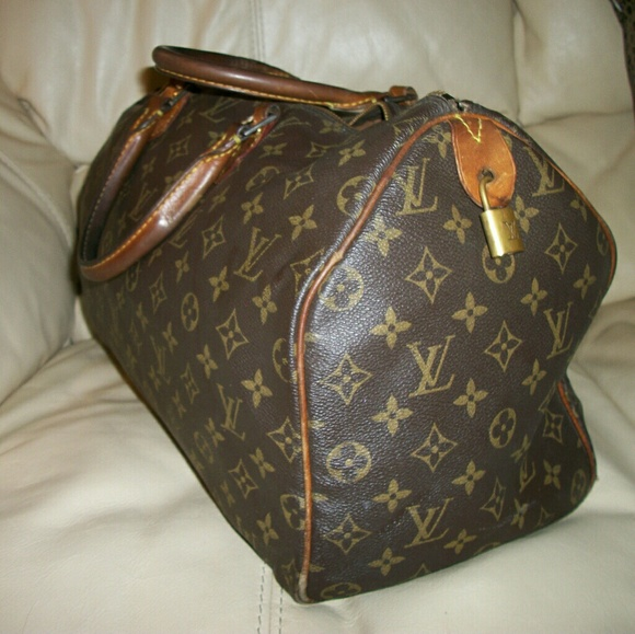 Louis Vuitton Bags   Sale Authentic Speedy 40 Vintage Bag   Poshmark bb01bd9dea