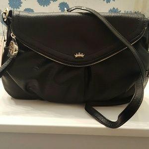 Juicy Couture Traveler Flap Crossbody Bag in Black