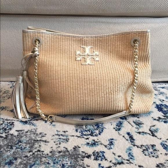 408c1248425 New❤Tory burch Thea straw tassel bag. M 58a7ab0a4e95a3999f0dac07
