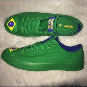 Converse Other - CONVERSE MENS SIZE 10 BRAZIL FLAG TOE SHOES