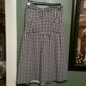 Snap Dresses & Skirts - Alabama houndstooth dress