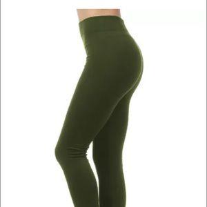 Pants - Plus size fleece lined leggings - olive green