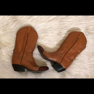 Tony Lama Shoes - Vintage Tony Lama Cowgirl Lizard Skin Tip Boots