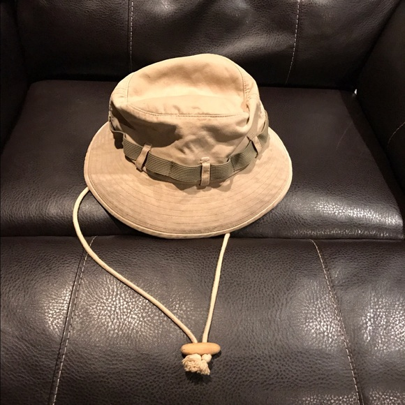 67b86cef91a Abercrombie   Fitch Other - Abercrombie and Fitch Bucket Hat